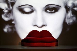 the-mae-west-lips-sofa-1