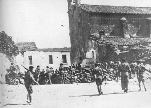 Cazalla de la Sierra barricada en San Benito