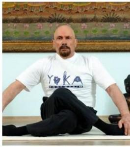 046157400_1441022268-20150831-Guru_Yoga_95_tahun2-Turki