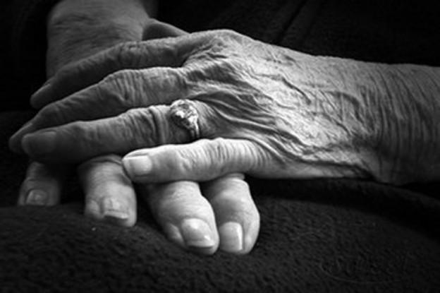 manos-arrugadas